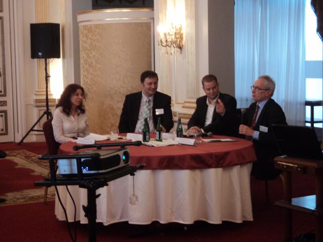 Takács Júlia (CSR Hungary, EMVFE), Kocsy Béla (Polimer Sz, Kft.), Boross Dávid (Felelős Családi Vállalatokért Mo-on), Bod Péter Ákos (korábbi gazdasági miniszter)