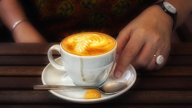 1 csésze kávé, 1 csésze figyelmesség