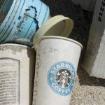 Tisztább város – óriás kávéscsészékkel
